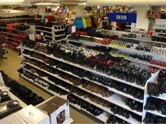 Avdelning för skor på Smålänningen