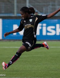 Anita Asante är klar för final med sitt England i Cyprus Cup.