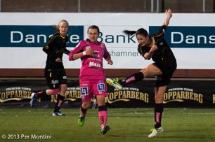 Yael Averbuch laddar och gör 1-1 mot Linköping.