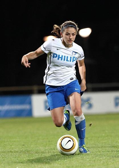 Danielle van de Donk gjorde debut för KGFC i går i träningsmatchen mot Mallbacken.