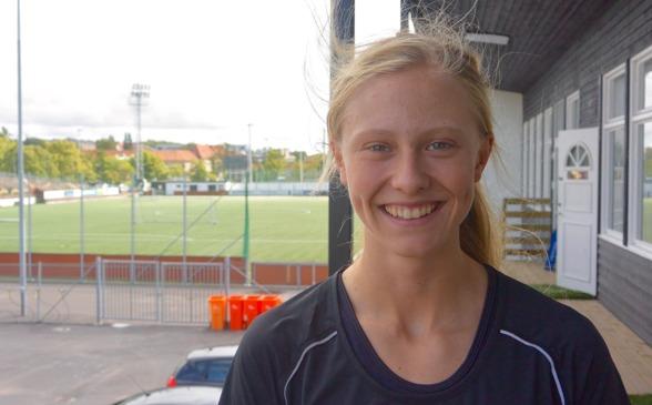 Rebecka Blomqvist var med i det svenska F19-landslaget som vann EM-guld i måndags. Nu väntar Linköping – och ett snabbt återseende med två av kompisarna från landslaget. Foto: TORE LUND
