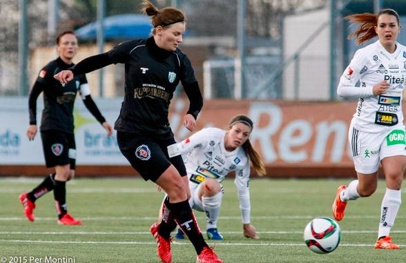 Nu väntar match mot Kristianstad. KGFC har revansch att utkräva efter förlusten på bortaplan i april. Sara Lindén och Marlene Sjöberg har båda sett starka ut på veckans träningar. Foto: PER MONTINI