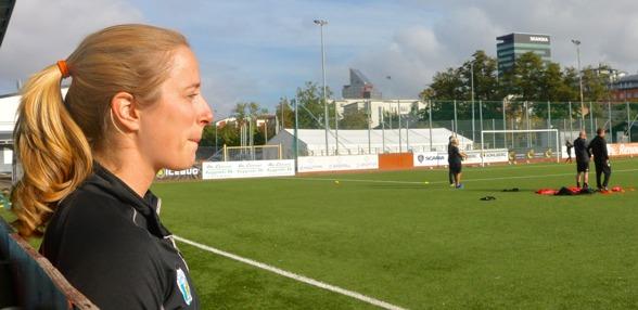 Loes Geurts spelar inte mot AIK på söndagen och inte i någon av de andra åerstående matcherna i allsvenskan. Men hon hoppas ändå kunna göra comeback innan året är slut. Foto: TORE LUND