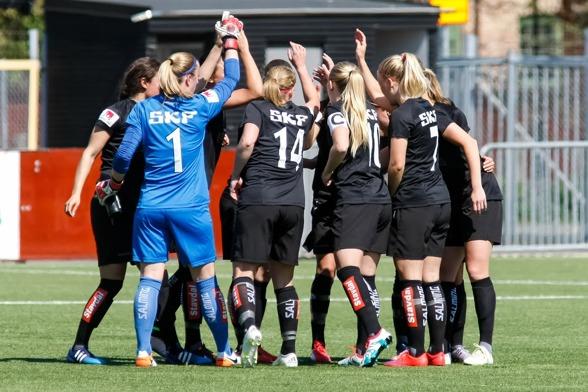 Vi är KGFC! Vi är starka! Tillsammans ska vi erövra Sverige och Europa! Foto: PER MONTINI