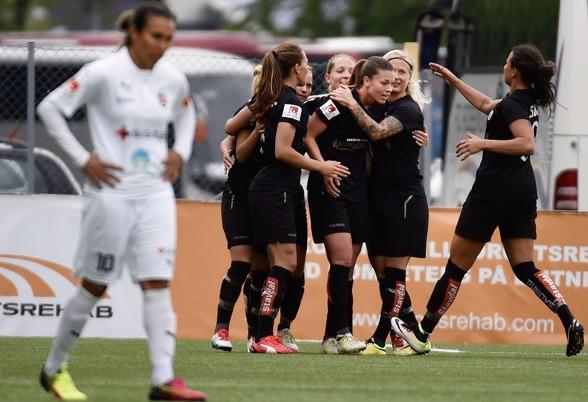 Pauline Hammarlunds reduceringsmål gav KGFC luft under vingarna och avslutningen av matchen visade vad laget kan, att inget lag är omöjligt att slå. Foto: TOMMY HOLL