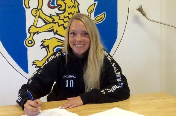 KGFC:s lagkapten Elin Rubensson stannar i klubben över säsongen 2018. Det nya kontraktet blev klart tidigare i veckan. Foto. LASSE SVENSSON