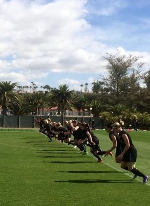 """Uppladdning och lättare träning på söndagen inför matchen mot Gran Canarias """"landslag"""" på måndagen. Foto: LASSE SVENSSON"""