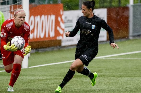 Beata Kollmats har spelat i KGFR sedan 2011, men aldrig upplevt en tyngre uppförsbacke än just nu. Men hennes inställning triggar hela laget att göra en bra match mot Djurgården i midsommar. Foto:  PE