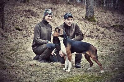RR SE JCH(Räv) SE UCH Messi äg, Robert & Emelie Lundahl, Bor
