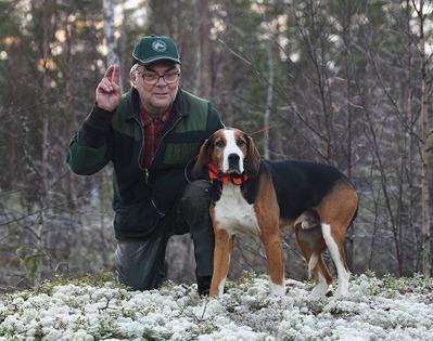 RR SE JCH SM-15 BOSSMÅLAS FRISKO S53751/2007 ÄGARE: MATS LINDÈN,  NÅS. 26 poäng.