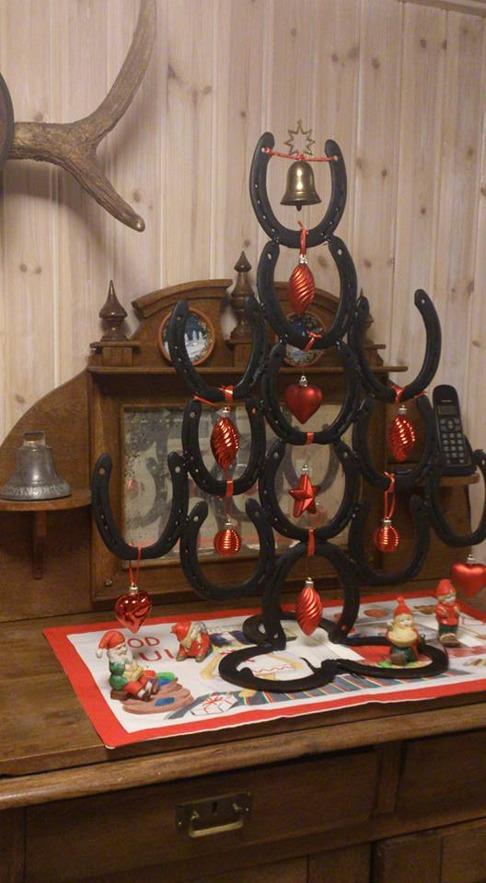 Julgran av hästskor CAHOM