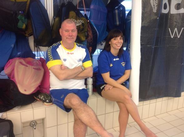 Coach Nyström och Coach Garametsos glada och taggade för helgens tävlingar.
