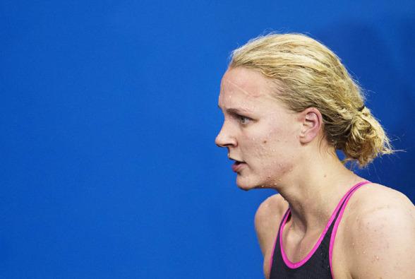 Nej, det gick inte bra för Sarah Sjöström på 200m fjärilsim. Hennes mästerskapsdebut i grenen slutade med en 19:e plats och hon försvann snabbt till avsimningspoolen efter loppet.