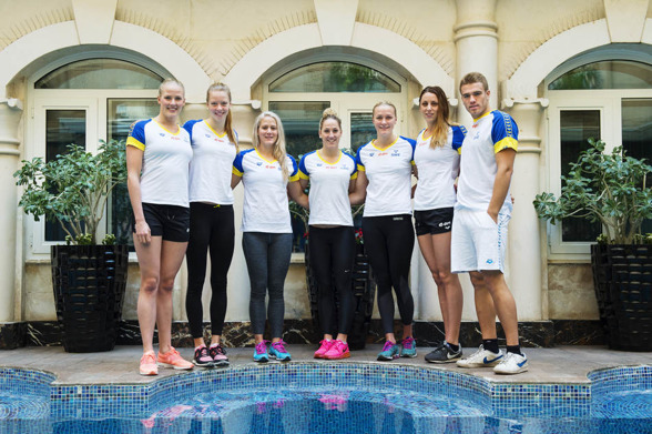 Sju svenska simmare blev det till slut - som kom till start på VM. Här är gänget uppradat - Coleman, Hansson, Marko-Varga, Lindborg, Johansson och Skagius,