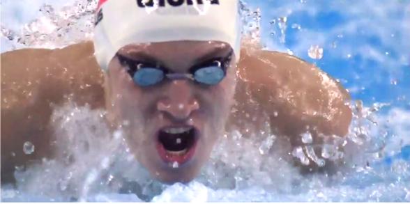 Daniil Pakhomov slog juniorvärldsrekord på 100m fjäril. 52.13 i semin efter att ha gjort samma sak i morse med 52.25