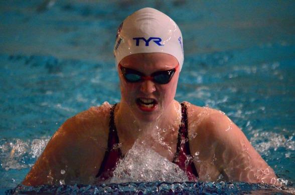 Jönsköping: Sara Wallberg NKK vann gren 50 i Jönköping.
