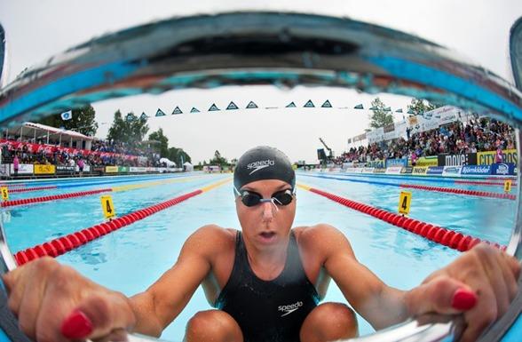 Magdalena Kuras snabbast i försöken på 50m ryggsim