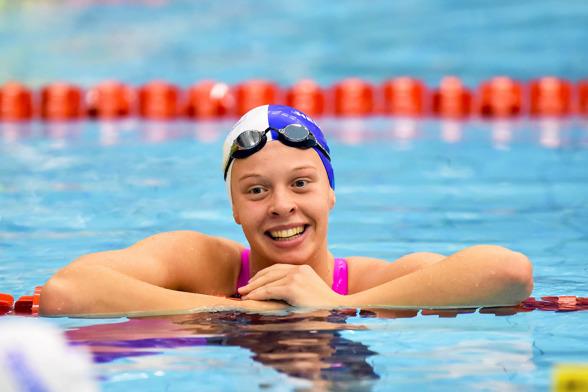 Louise HAnsson vann 100m ryggsim