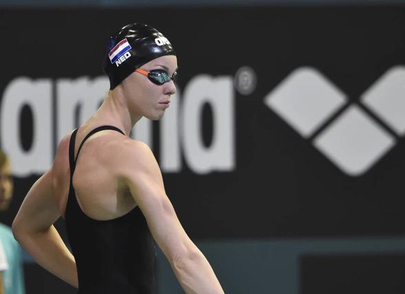 Femke Heemskerk leder 200m fritt