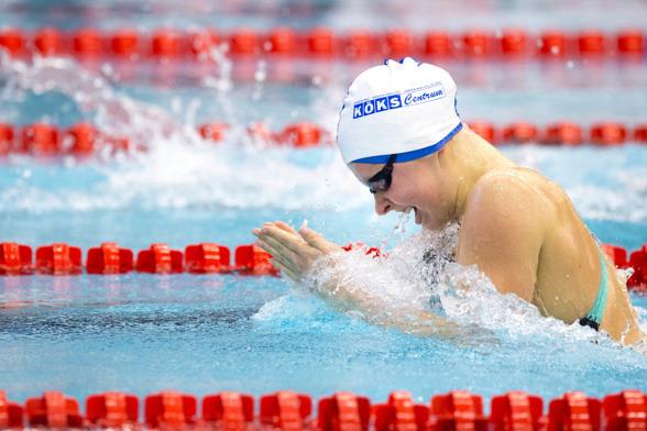 Sophie Hansson fortsätter att simma fort. I dagens försökspass blev det svenskt juniorrekord på 50m bröstsim