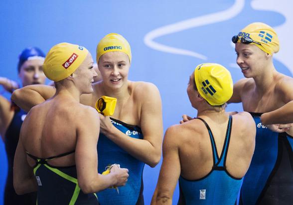 Svenska laget efter 4x50m medley