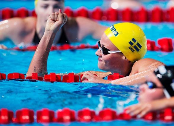 Micehlle Coleman simmade under 54 sekunder för fösrta gången i livet !