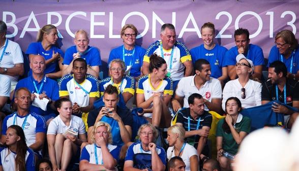 Svenskar på läktaren i Barcelona