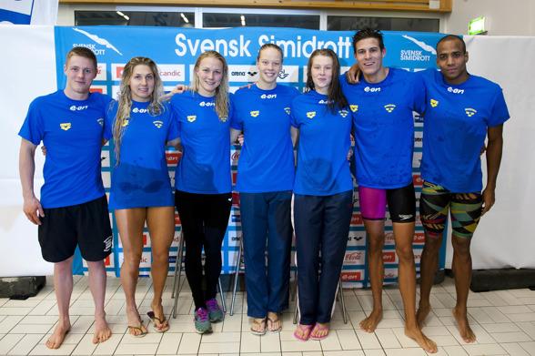 Svenska laget på EM: Erik Persson, Magdalena Kuras, Sarah Sjöström, Louise Hansson, Sophie Hansson, Christoffer Carlsen, och Simon Sjödin