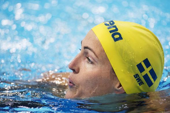 Therese Alshammar vidare till semifinalen på 50m fritt -e fter dagens försökstävlingar i London.