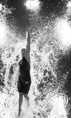 Ranomi Kromowidjojo - skrattar när hon simmar. Så lustfyllt kan det vara att vara med på EM. Klicka på bilden så ser du bättre !!!