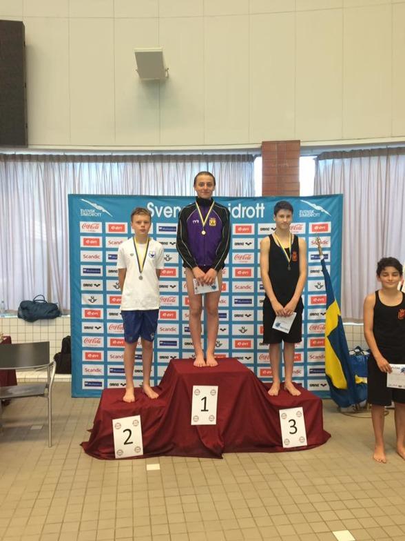 En glad Elias Petersen under sista dagen av USM tävlingar efter att ha tagit samtliga guldmedaljer i C-klassen.