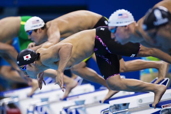 Japans Daiya Seto i starten på 400m medley herrar i dagens tävlingar