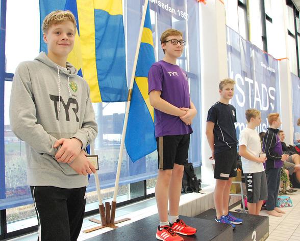 Ystad - på pallen  Axel Auer, David Falk, Lukas Miderbäck, Hugo Stenskepp, Hugo Lennartsson