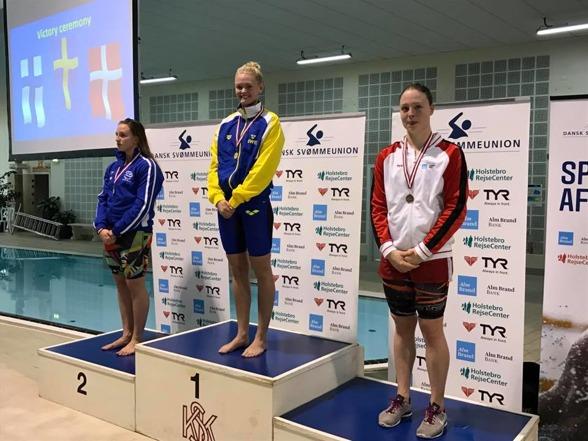 Vilma Ekström vann med personligt rekord i seniorklassen