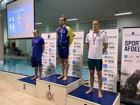 William Lulek vann 200m medley i seniorklassen