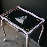 Litet rosa bord Pris: 695:-, Kulör: Antoinette, 51x37 cm H: 57 cm