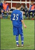 Henrik Tjernström vände flera Sund-spelare ryggen när han gjorde 1-0 efter en kontring.