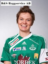 Josefin Larsson är tillbaka i ledningen av skytteligan.