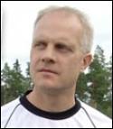 Sten-Ingvar Fredlund i ÖIF får trots allt besök av Essvik till slut.