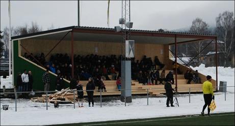 I samband med Berners Cups invigning ingvigdes även den nya läktaren på Ånge IP. Foto: Janne Pehrsson, Lokalfotbollen.nu.