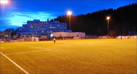 Vilka kanonkvällar rent vädermässigt vi bjudits på både tisdag och onsdag. 5-10 grader varmt och vindstilla och en hel del bra fotboll dessutom. Kan vi hoppas på samma fina förutsättningar även ikväll? Foto: Janne Pehrsson, Lokalfotbollen.nu.