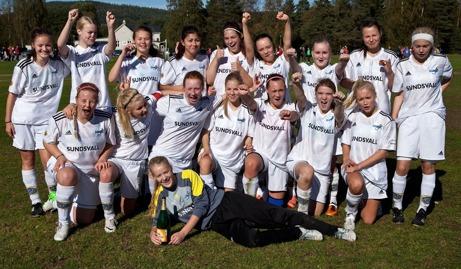 SDFF 2 består av tjejer som skall skolas in i seniorfotbollen.