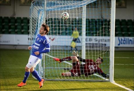 Robbin Sellin satte Giffarnas 4-1-mål i genrepet mot Brage. Foto: Anders Thorsell, sundsvallsbilder.com.