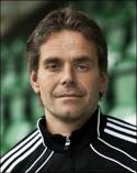 Fredrik Carström tränar årets segrarlag i Medelpadsallsvenskan.