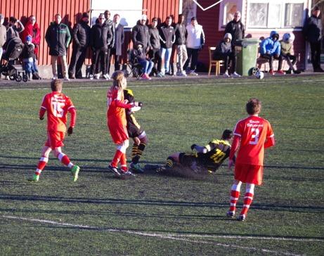 Sund fick Kuben på fall i Värmecupens herrfinal 2017. Vem vet? Kanske var det den 40:e och sista finalen som spelades? Foto: Lokalfotbollen.nu.