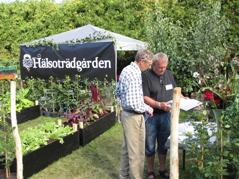 Föreningen informerar om sin verksamhet, här på trädgårdsdagen i Bäckaskog 2013.