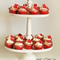 Bröllopscupcakes röda