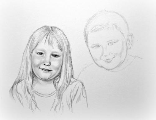 Bit för bit bygger jag upp motivet med skuggor och lyfter ansikter ut ur pappret. Flickan är på god väg, men har en bit kvar. Pojken är ännu bara en enkel skiss som fått sitt läge, proportion och form.