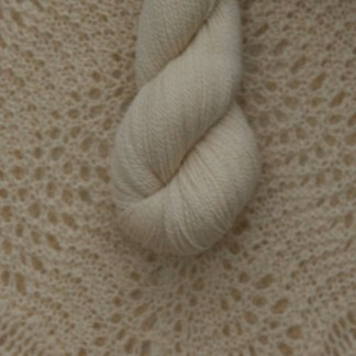 Silkesgarn 35% Tussah Silke / 65 % Merino Ull, 50g - Silkegarn 35% Tussah Silke / 65 % Merino Ull, 50g