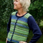 Scilla jumper/kofta finns även med naturgrå bf, mf i angora/merino